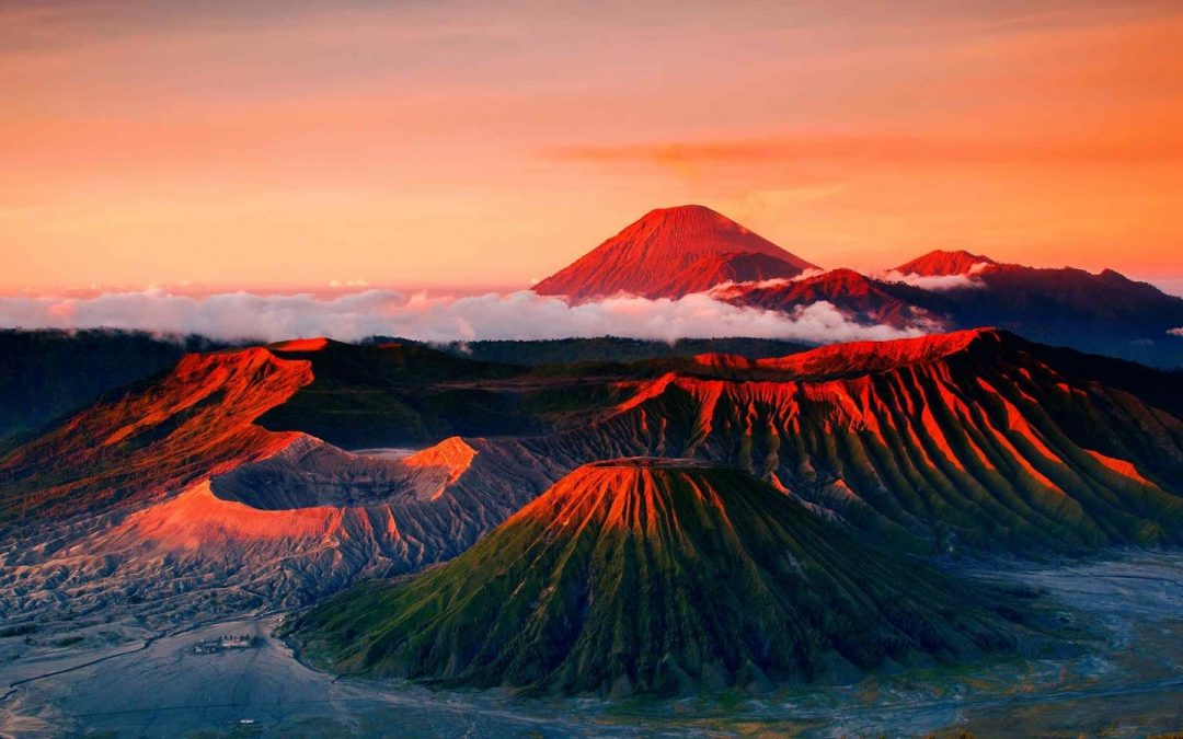 4 Best Hiking Places In Indonesia You Must Visit